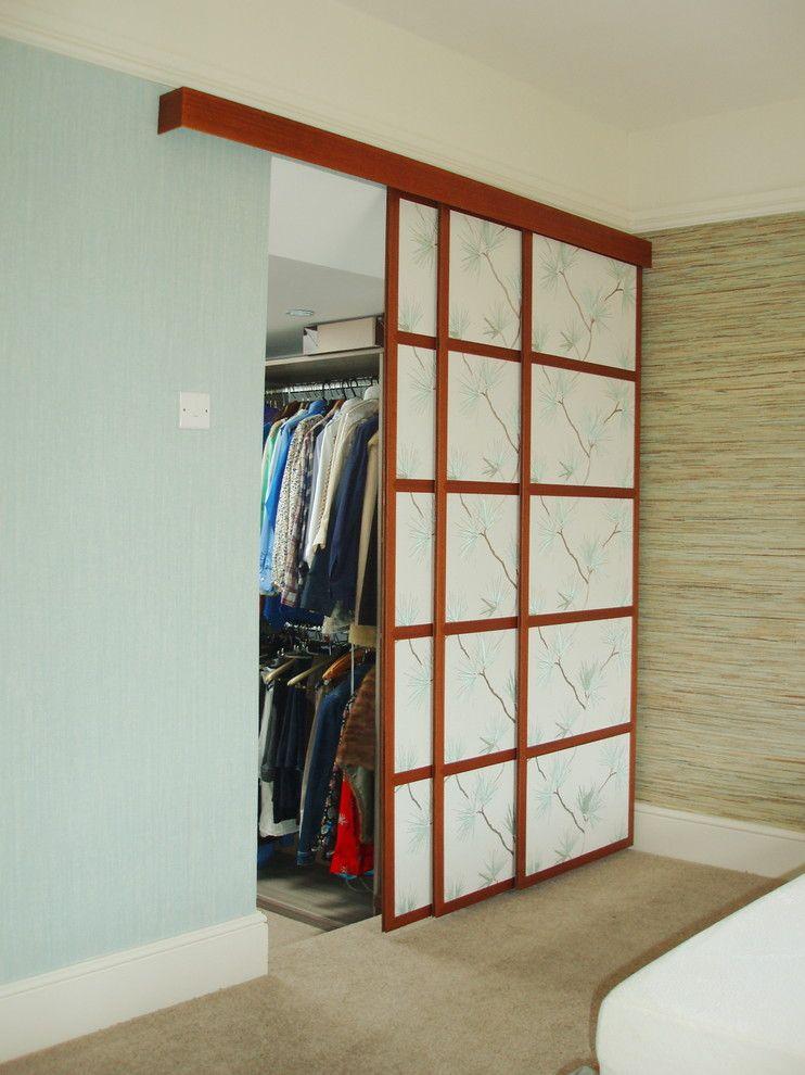 Раздвижные двери для гардеробной (43 фото): плюсы, минусы, в.