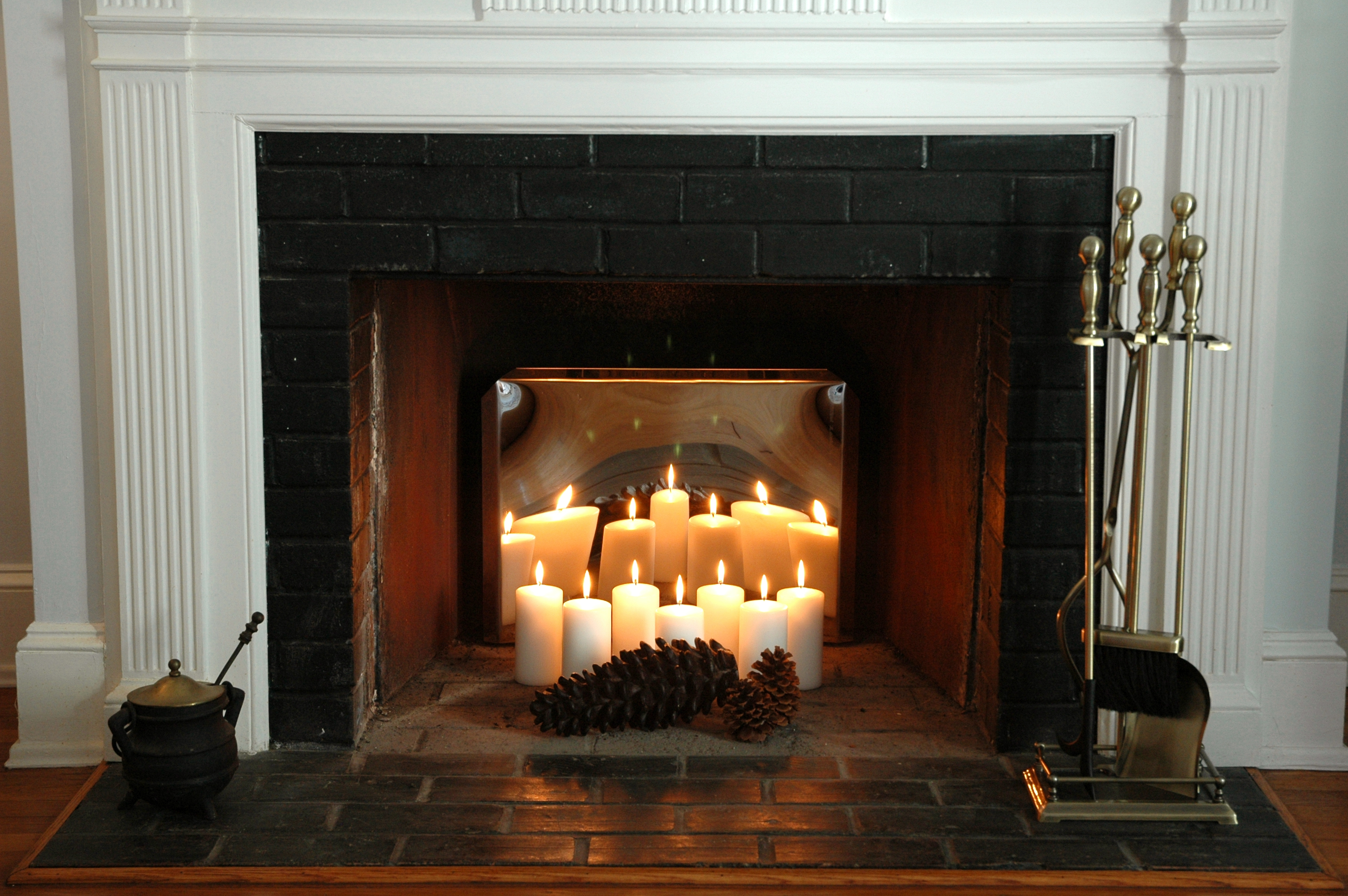 Камин своими руками для свечей