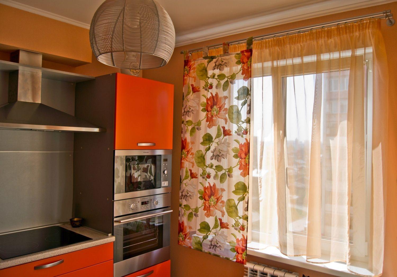 Современные короткие шторы на кухню (78 фото): дизайн занаве.