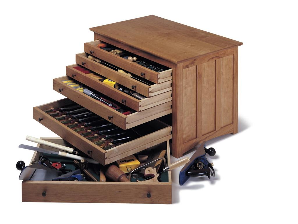 Ящик для инструментов из фанеры.