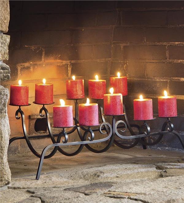 Камин со свечами