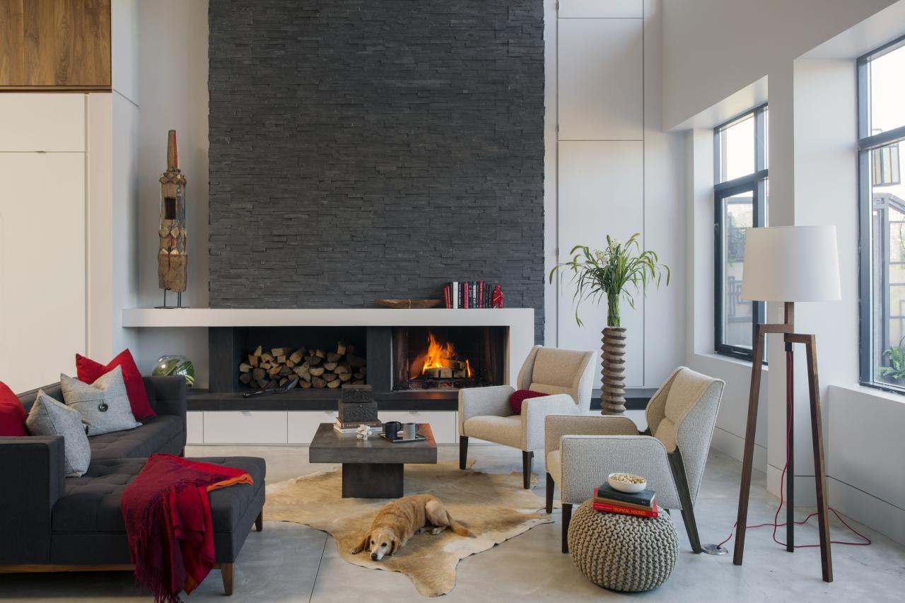Современные гостиные с камином интерьер фото