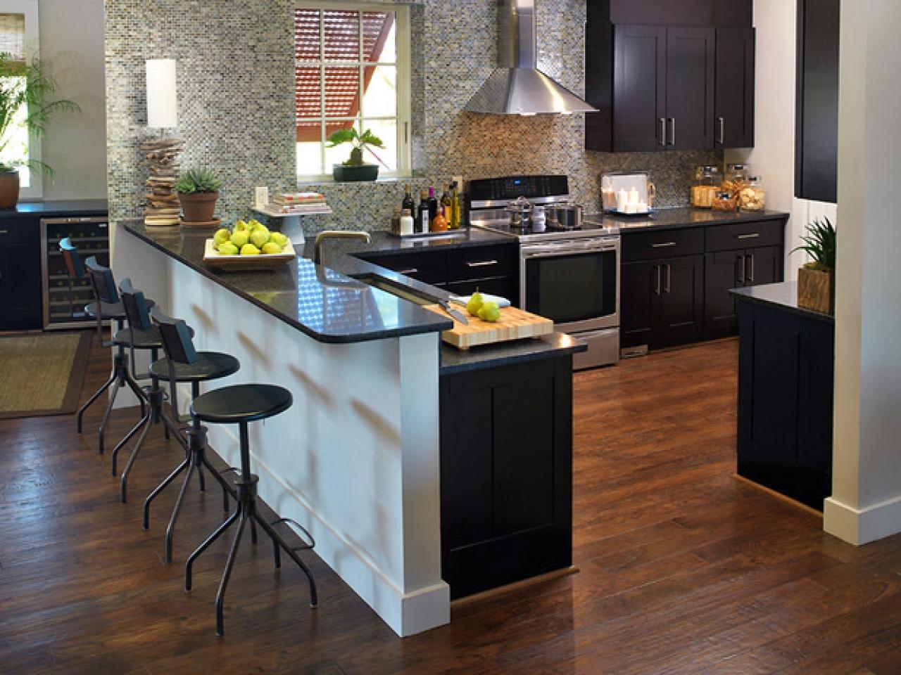 Кухни с барной стойкой в интерьере фото