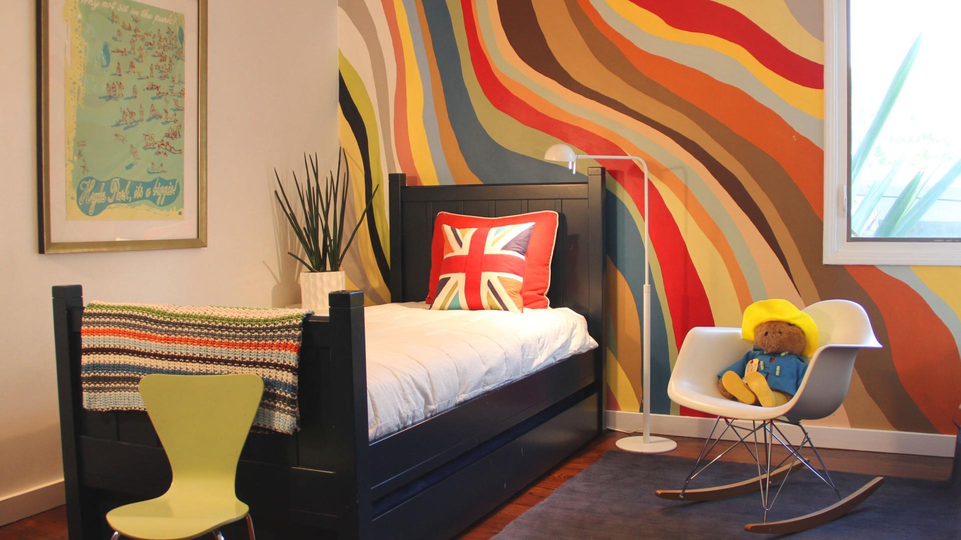 креативные идеи декора стен обоями