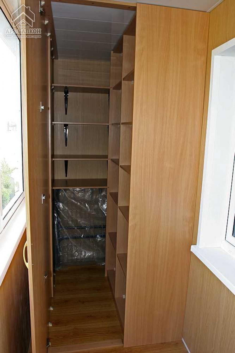 Шкафы на балкон и лоджию от частного мастера.