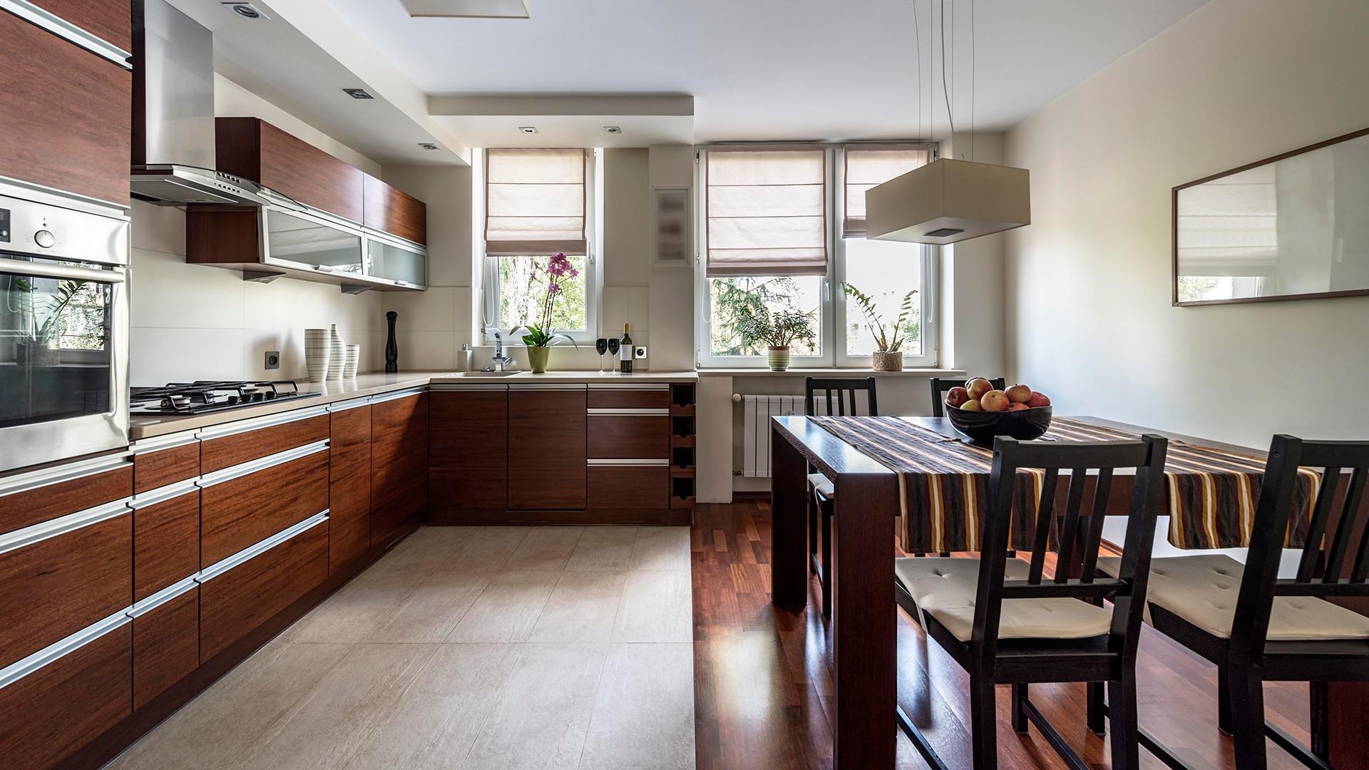 Комбинированные полы из плитки и ламината на кухне 40 фото особенности сочетания и оформление перехода ламината в плитку правила стыковки материалов и дизайн стыка