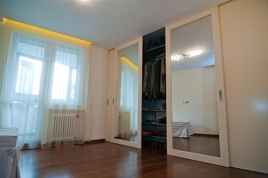 Раздвижные двери для гардеробной (75 фото): как самому сдела.