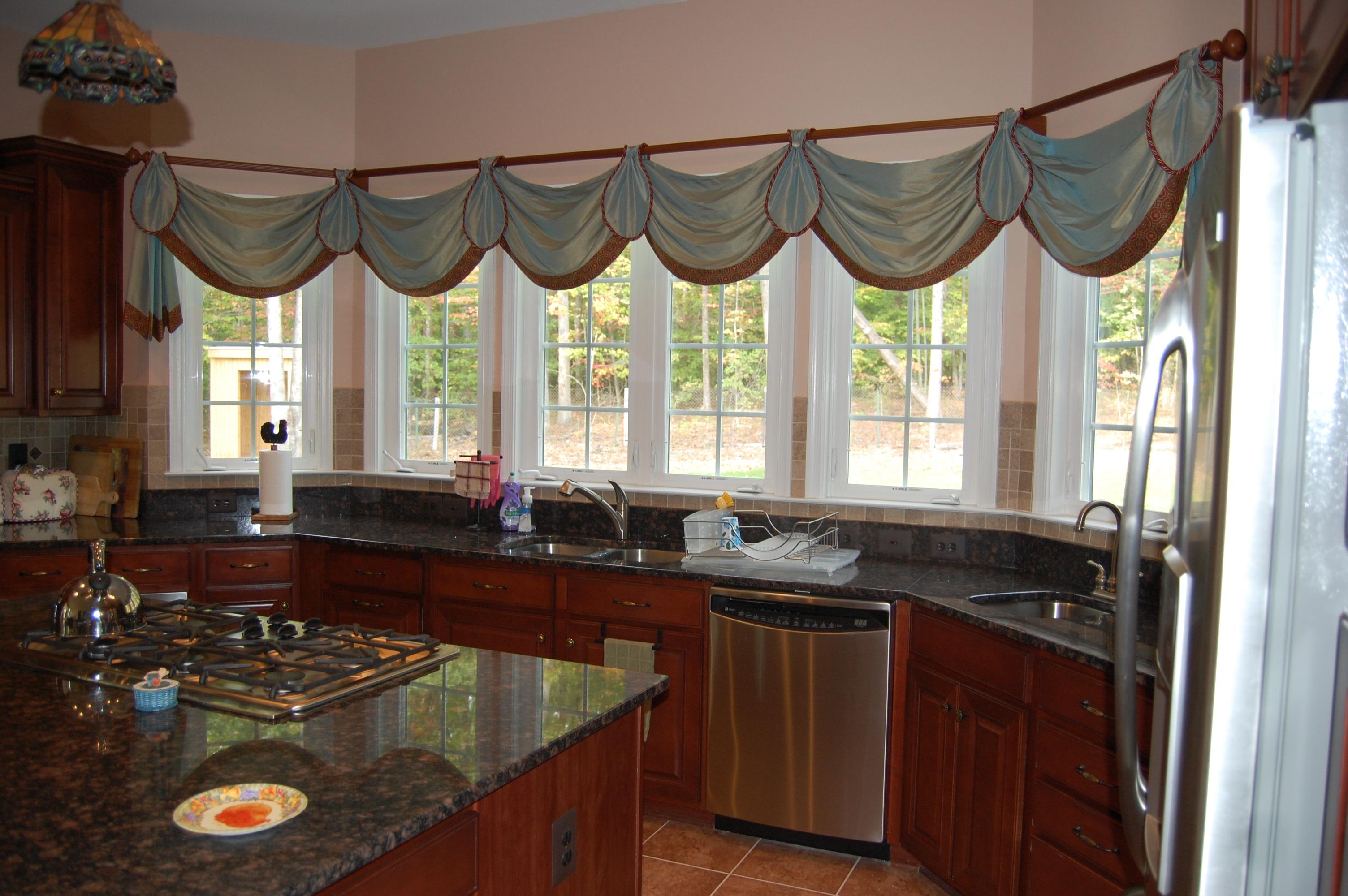 Curtain for kitchen window