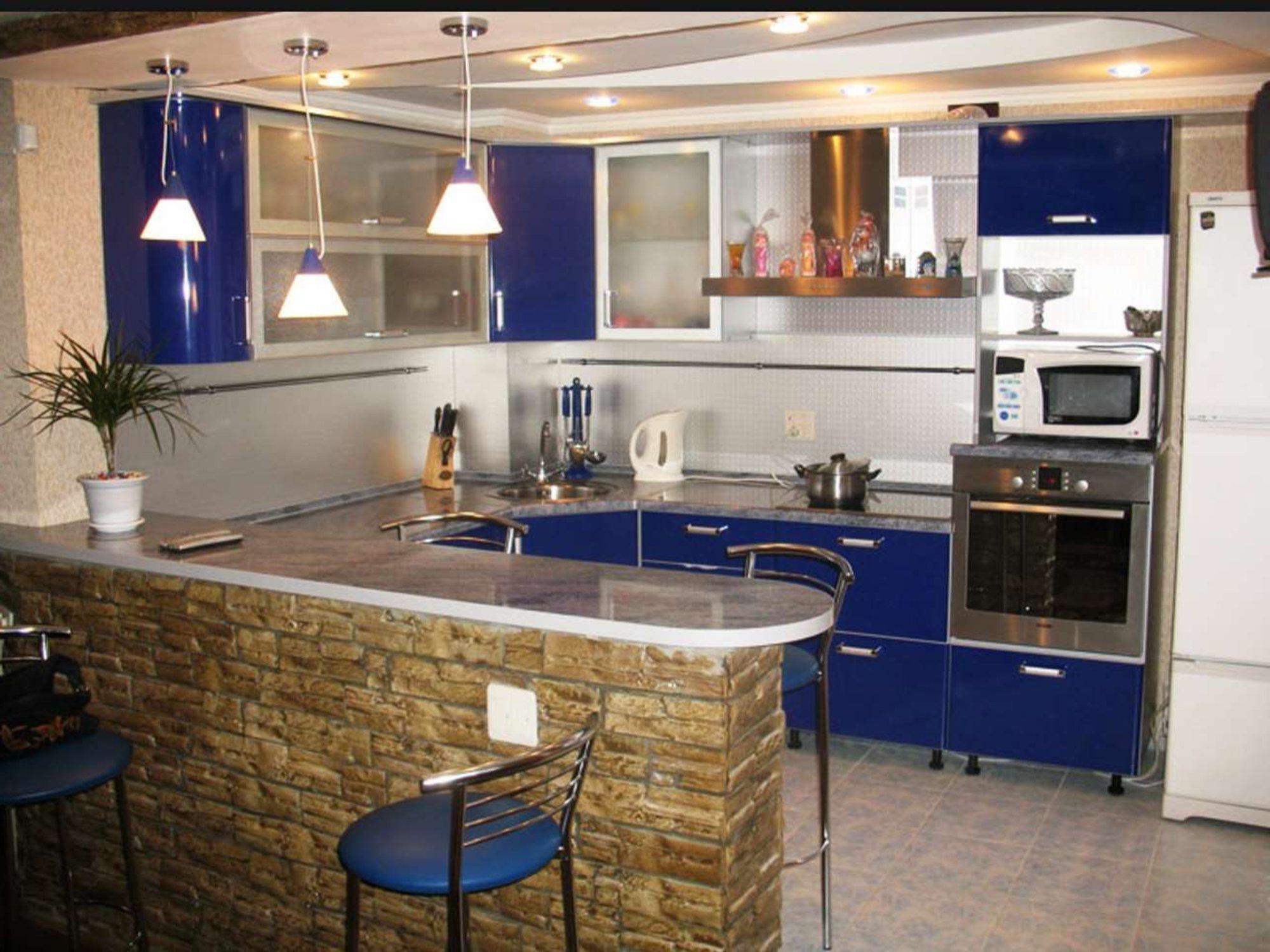 Угловая кухня с барной стойкой (56 фото): дизайн кухонного г.