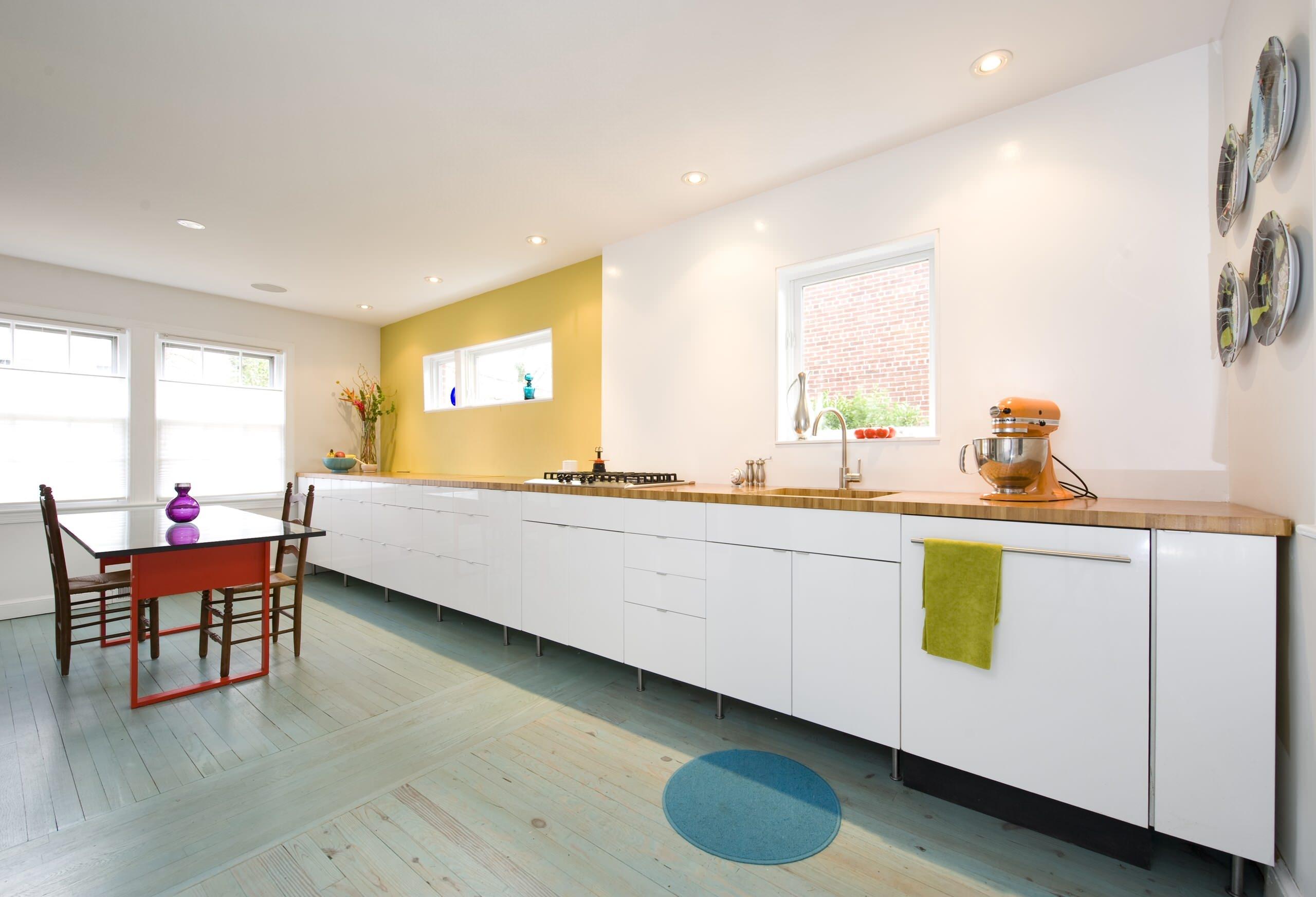 Дизайн кухни без верхних навесных шкафов (76 фото): кухня в .