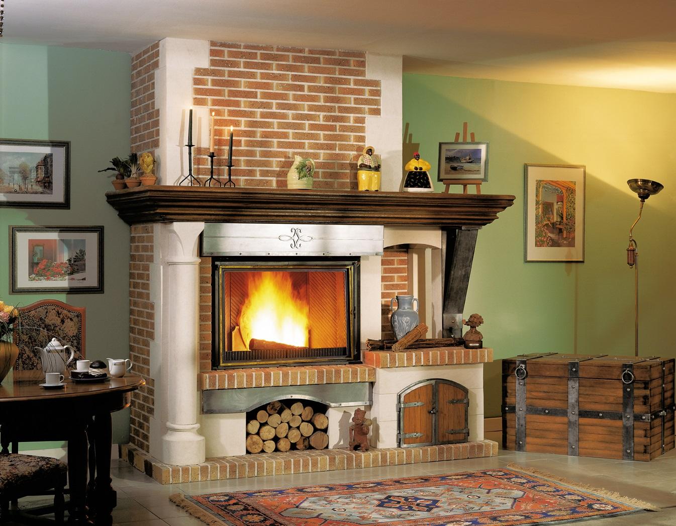 Как поставить дровяной камин дома