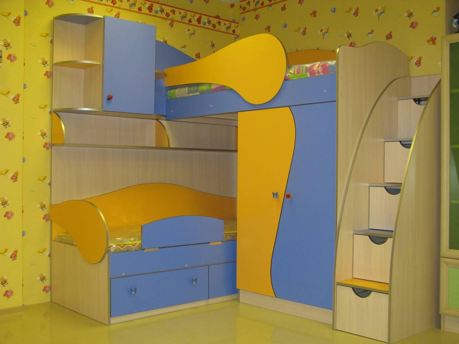 Угловые двухъярусные кровати для детей своими руками