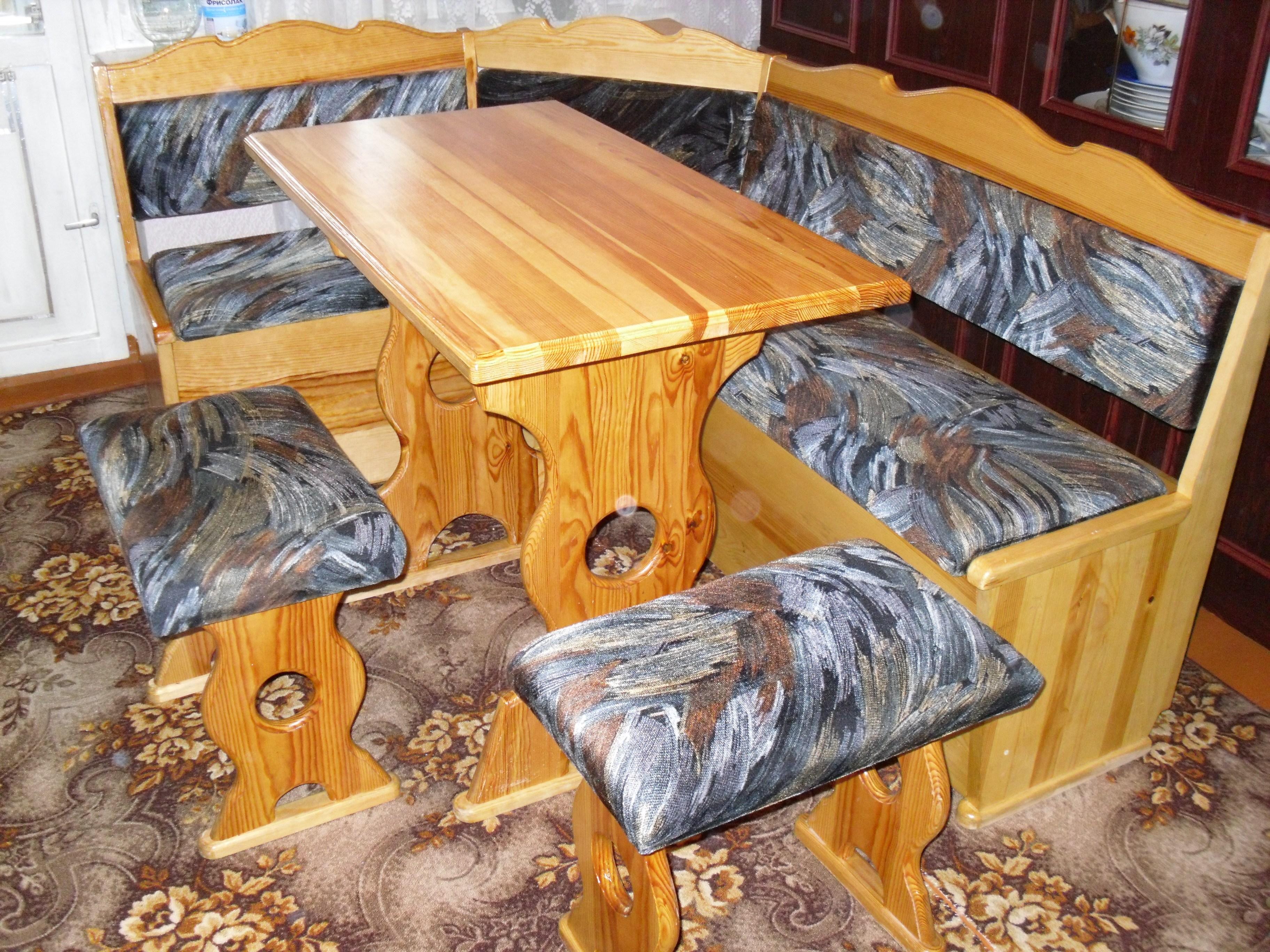 Сделать кухонный уголок из дерева