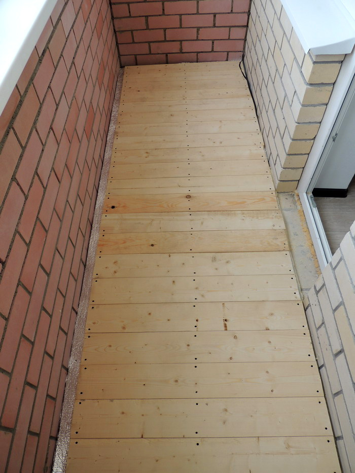 Как правильно настелить пол на балконе