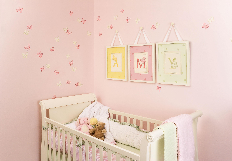 Как украсить детскую комнату для новорожденного
