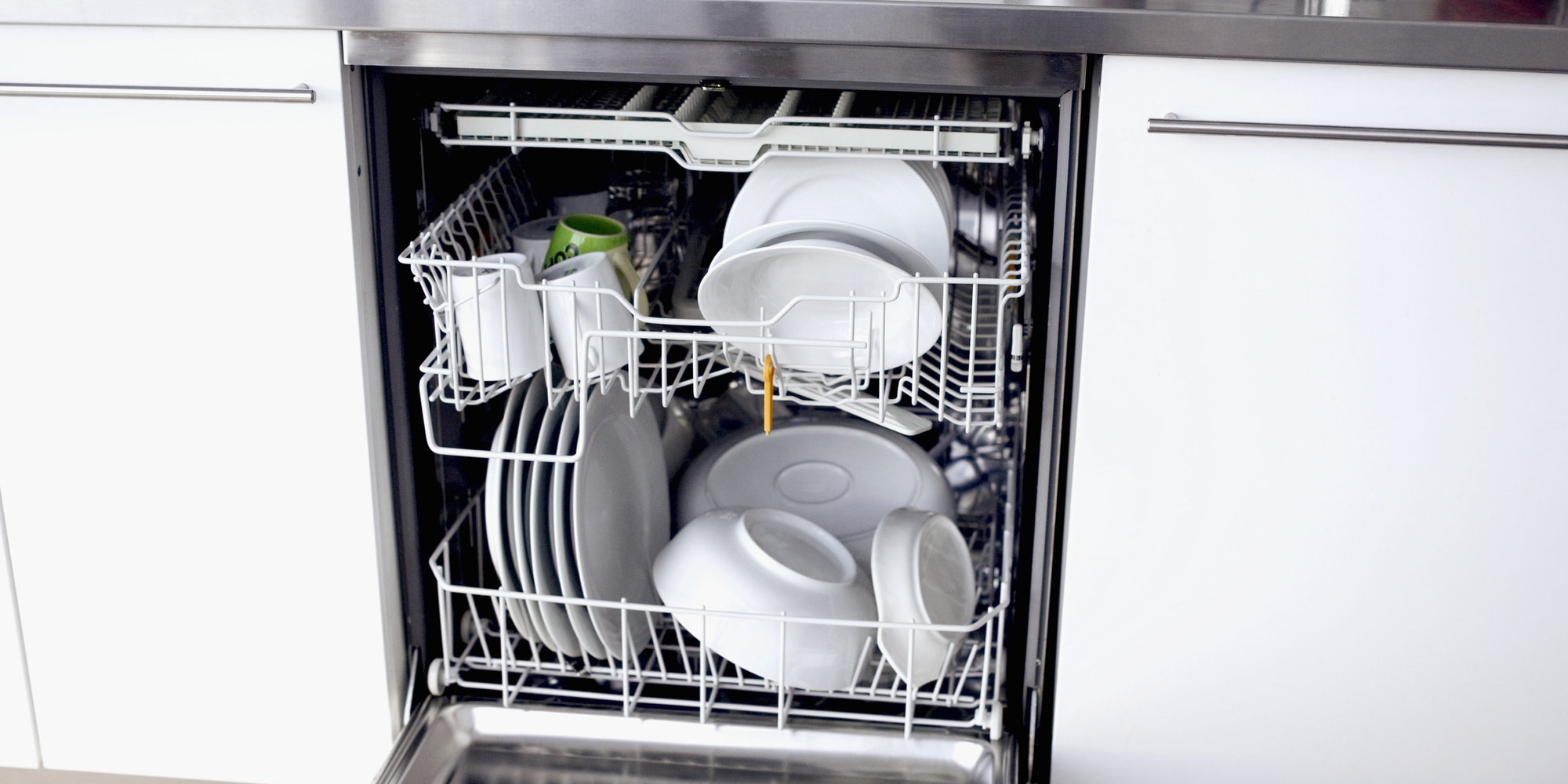 Почему нельзя мыть в посудомоечной машине алюминиевую посуду