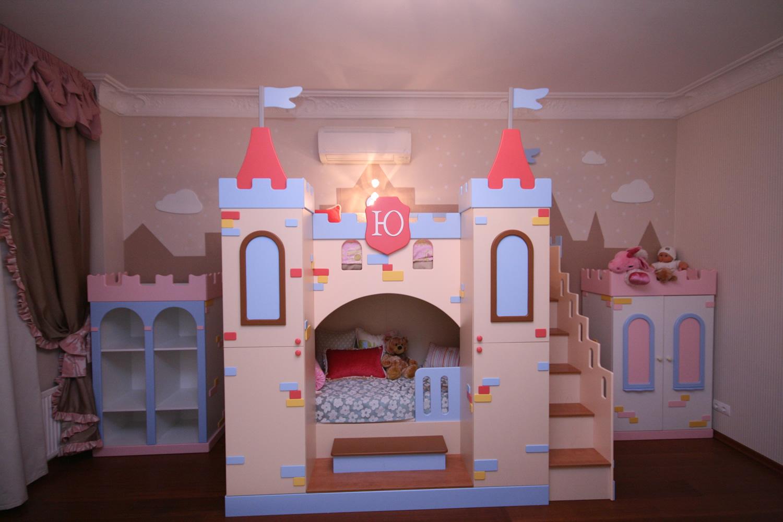 Кровать-замок для девочки