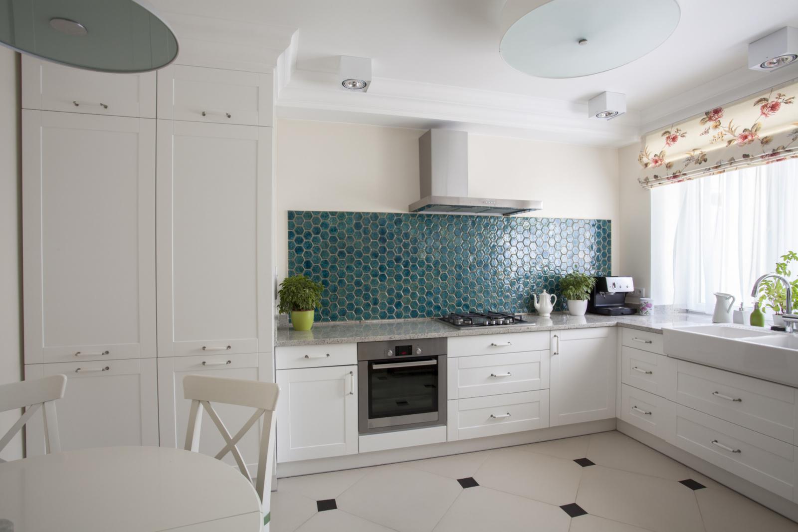 кухня без верхних шкафов 67 фото угловые кухонные гарнитуры без