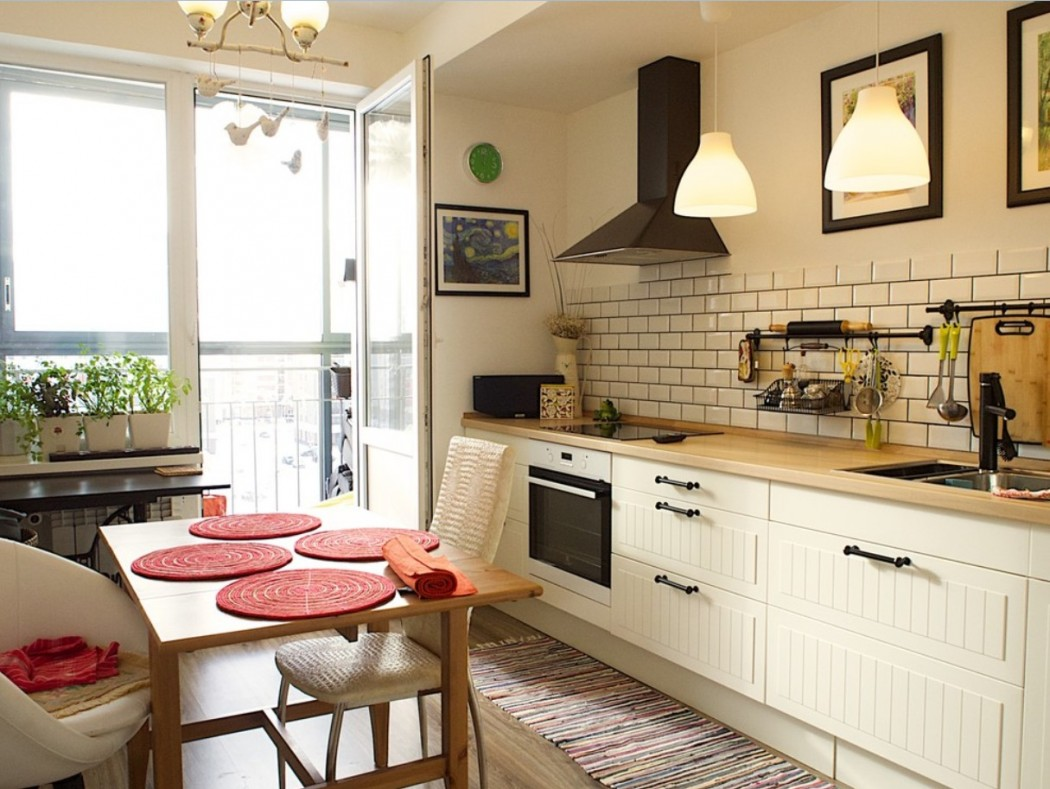 Маленькая кухня без навесных шкафов фото интерьер