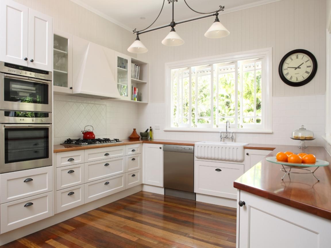 Дизайн кухни 3 кв.м с окном