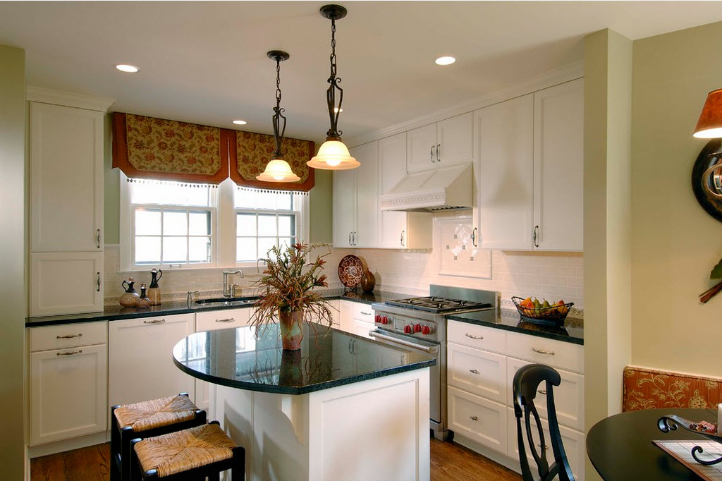 фото кухни с мойкой у окна