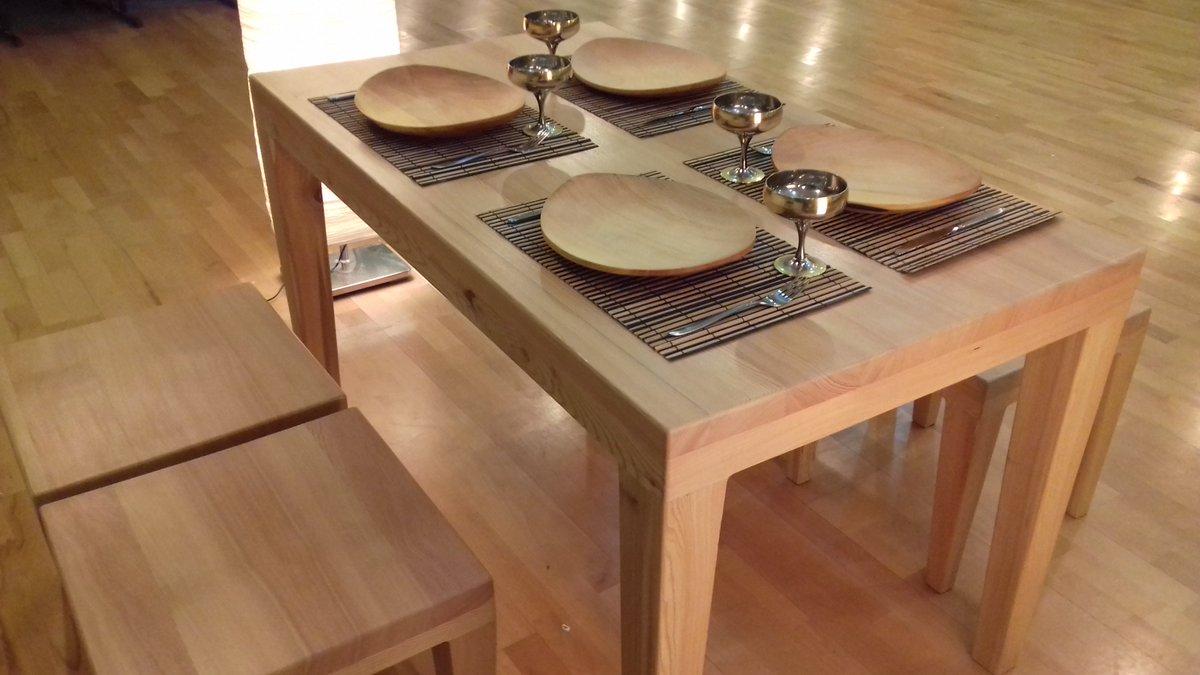 Как сделать обеденный стол из массива своими руками