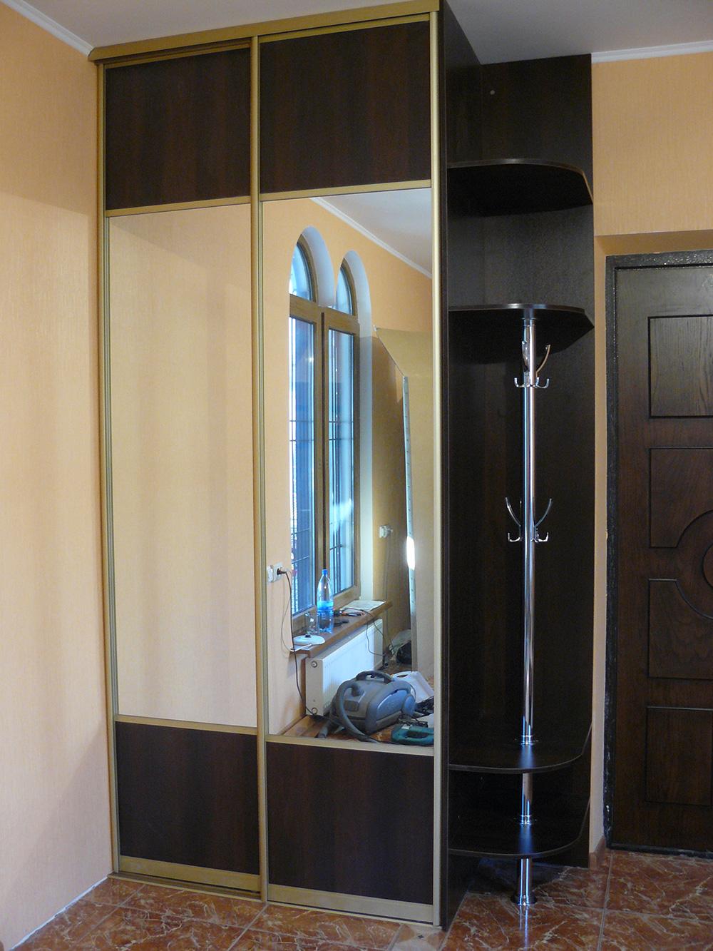 Маленький шкаф-купе (49 фото): небольшой шкаф в спальню и го.