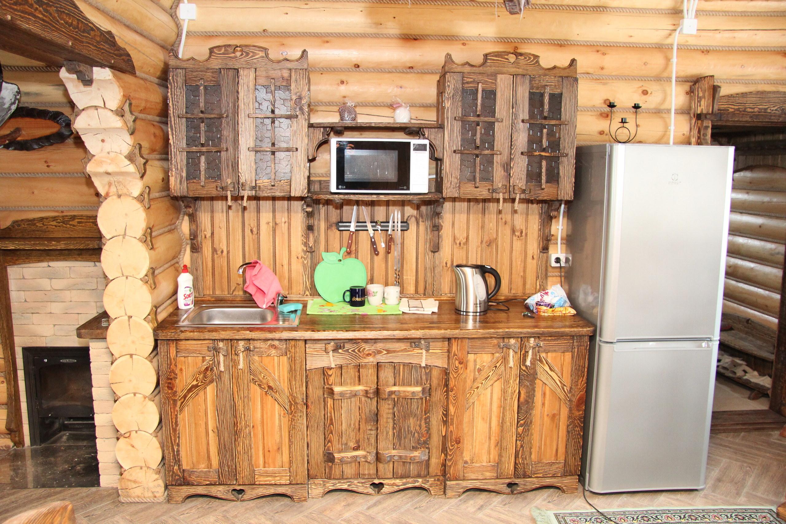 Кухня под старину 'хозяюшка'.