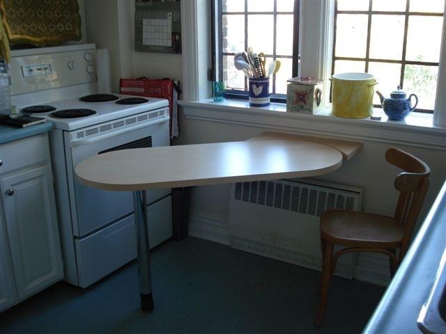 Обеденный стол для маленькой кухни (39 фото): дизайн столов-.