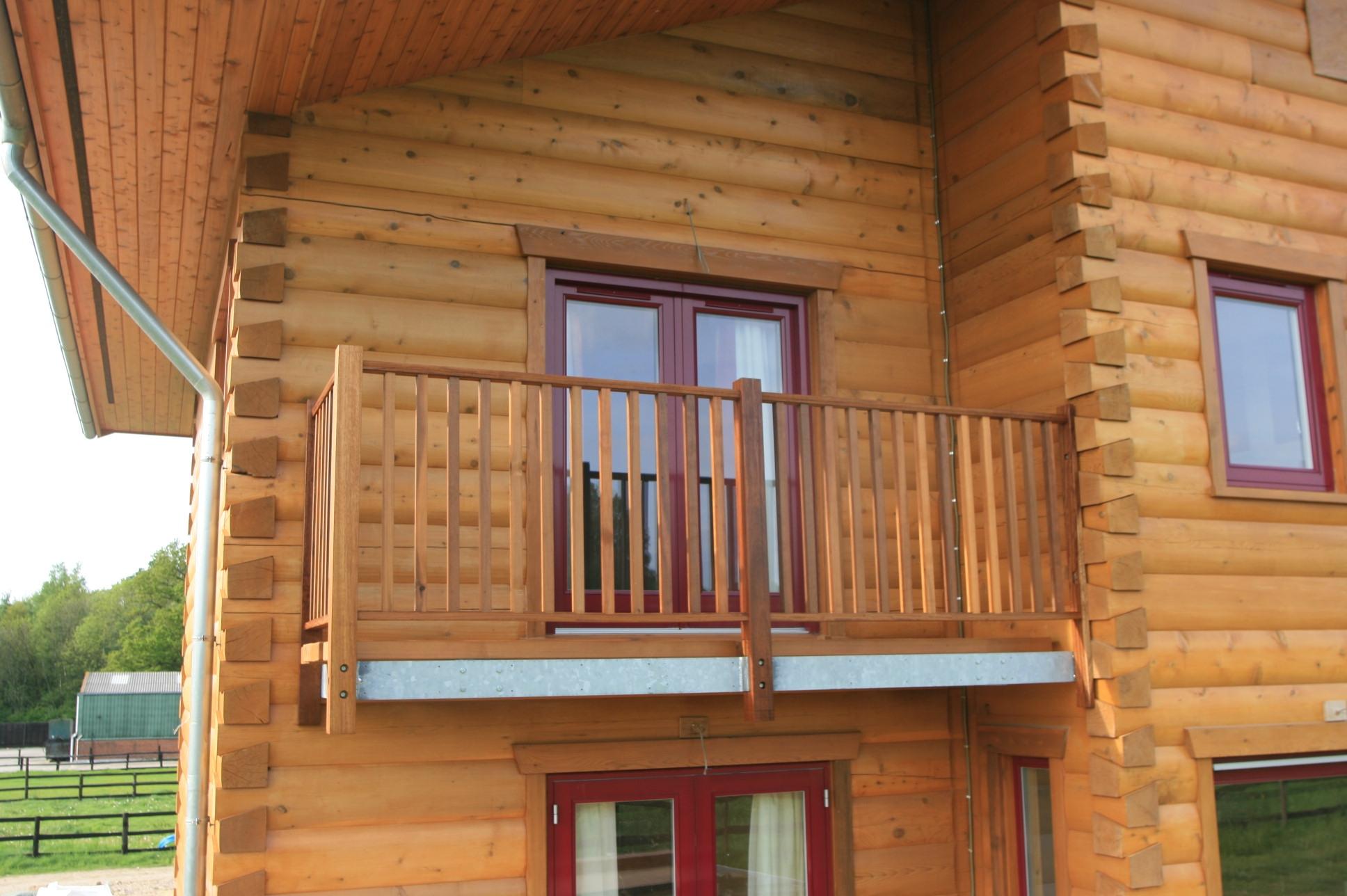 Балкон в частом доме: как его сделать своими руками.