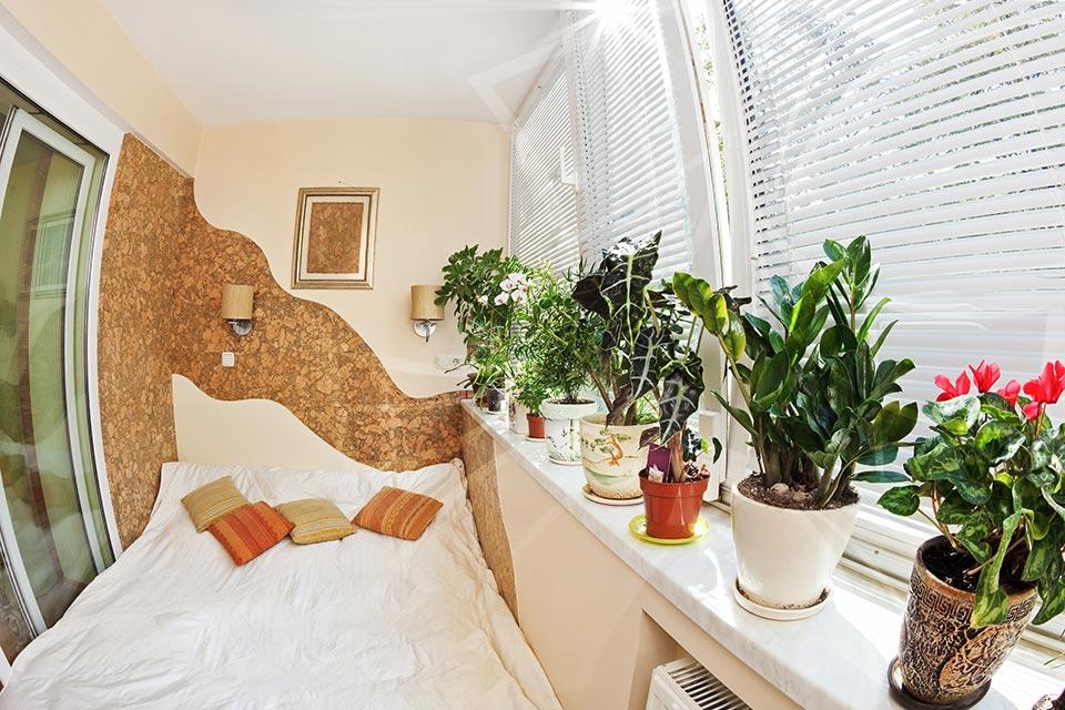 Как сделать лоджию жилой комнатой своими руками