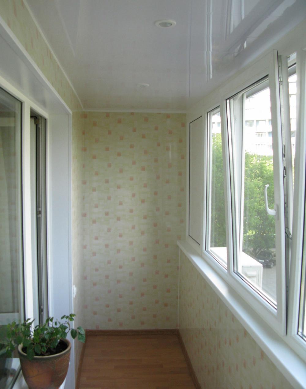 Остекление балкона пластиком фото.