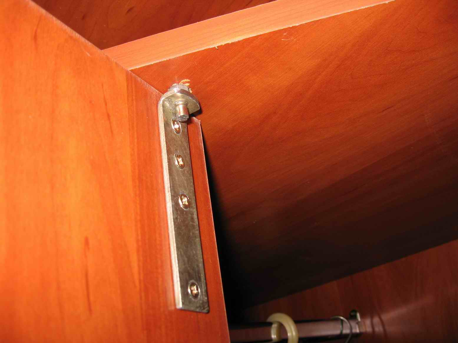 Двери на петлях для шкафа своими руками