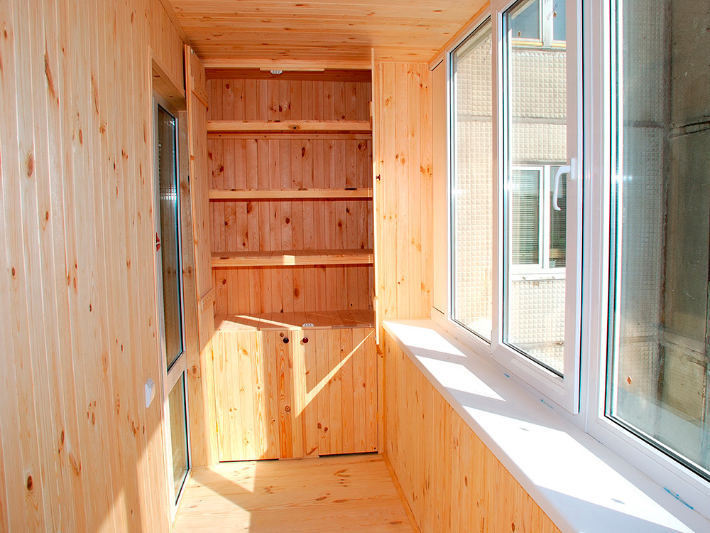 Чем лучше внутри обшить балкон своими руками