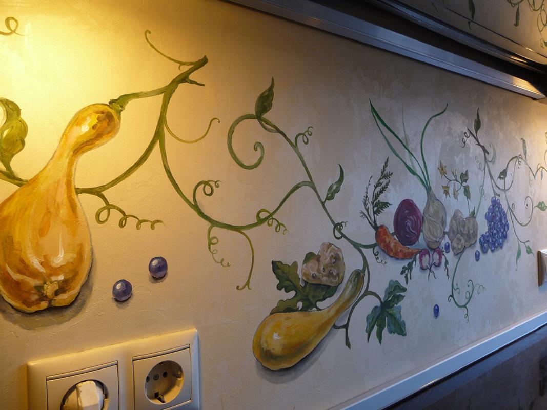 Роспись стен в кухне своими руками