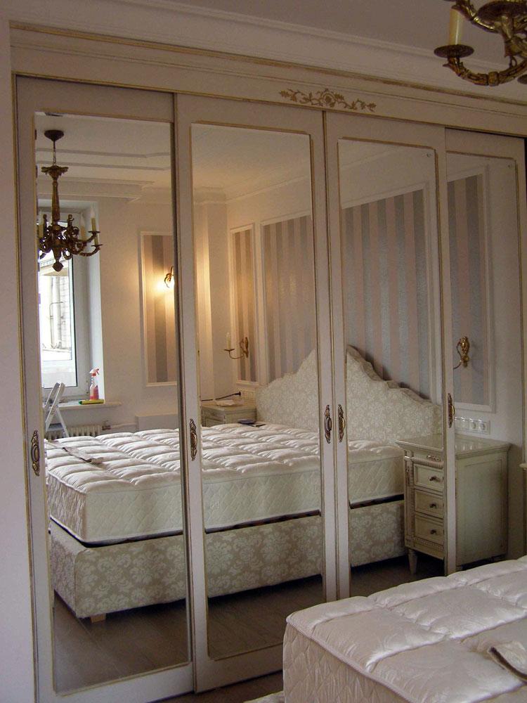 Шкаф-купе в спальне (25 фото): варианты для разных стилей ин.