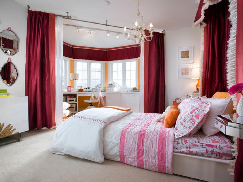 Дизайн интерьера спальни с эркером