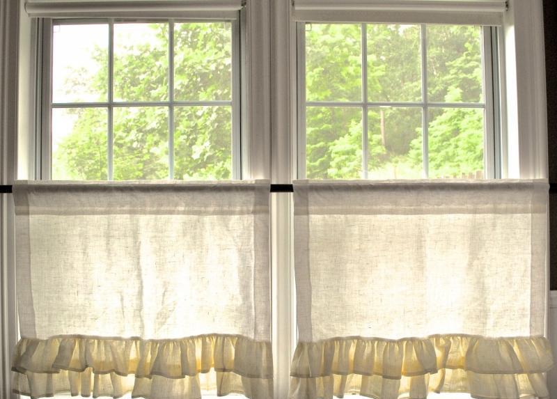 Шторы на балкон (56 фото): идеи для ламбрекена и римские зан.