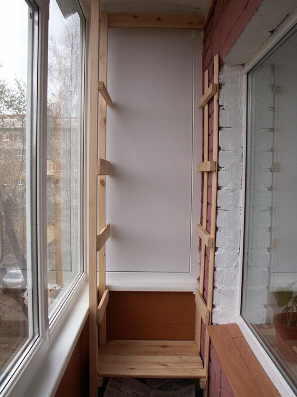 Сделать стеллаж на балконе