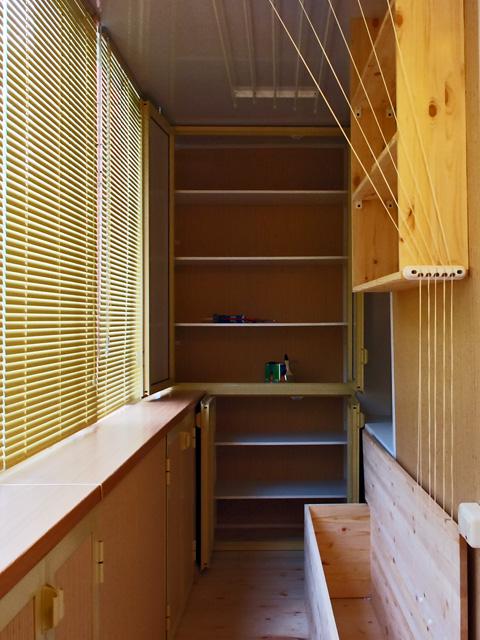 Сделать на лоджии шкаф