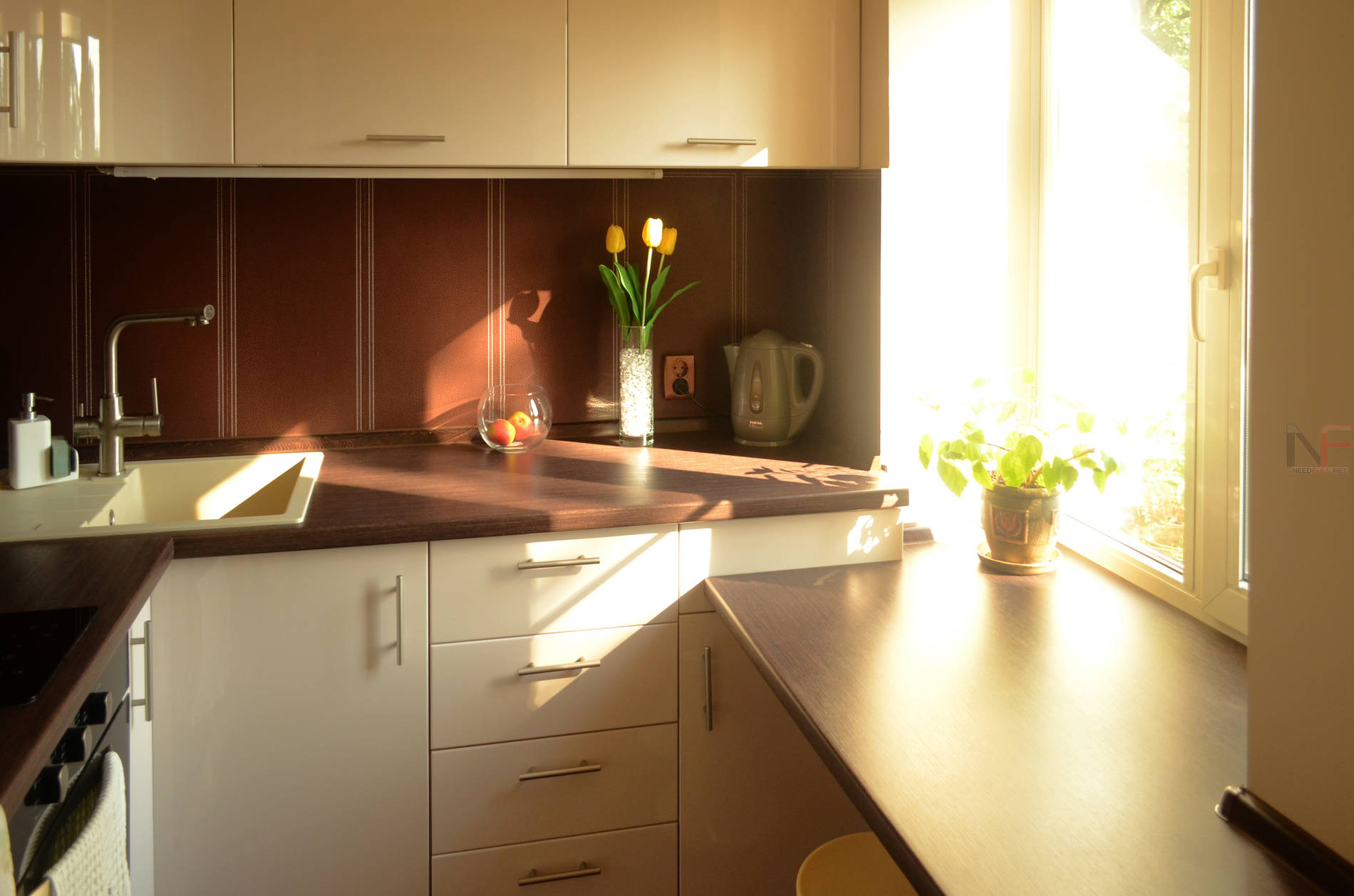 Как сделать подоконник на кухне фото 589