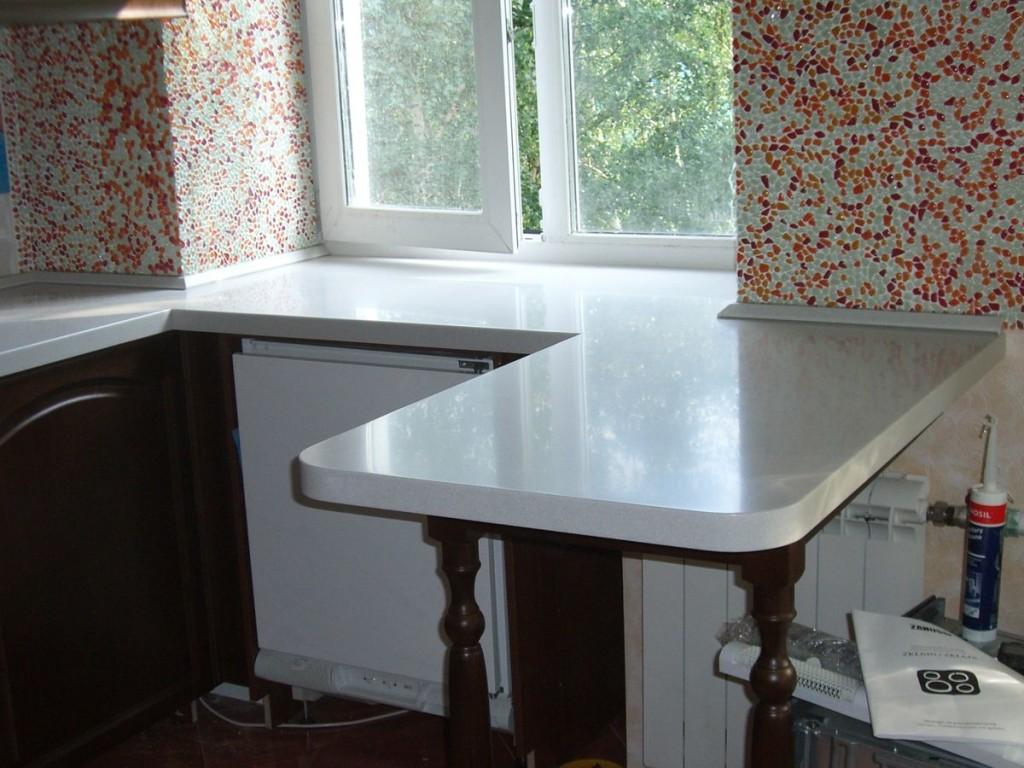 подоконник стол на кухне фото