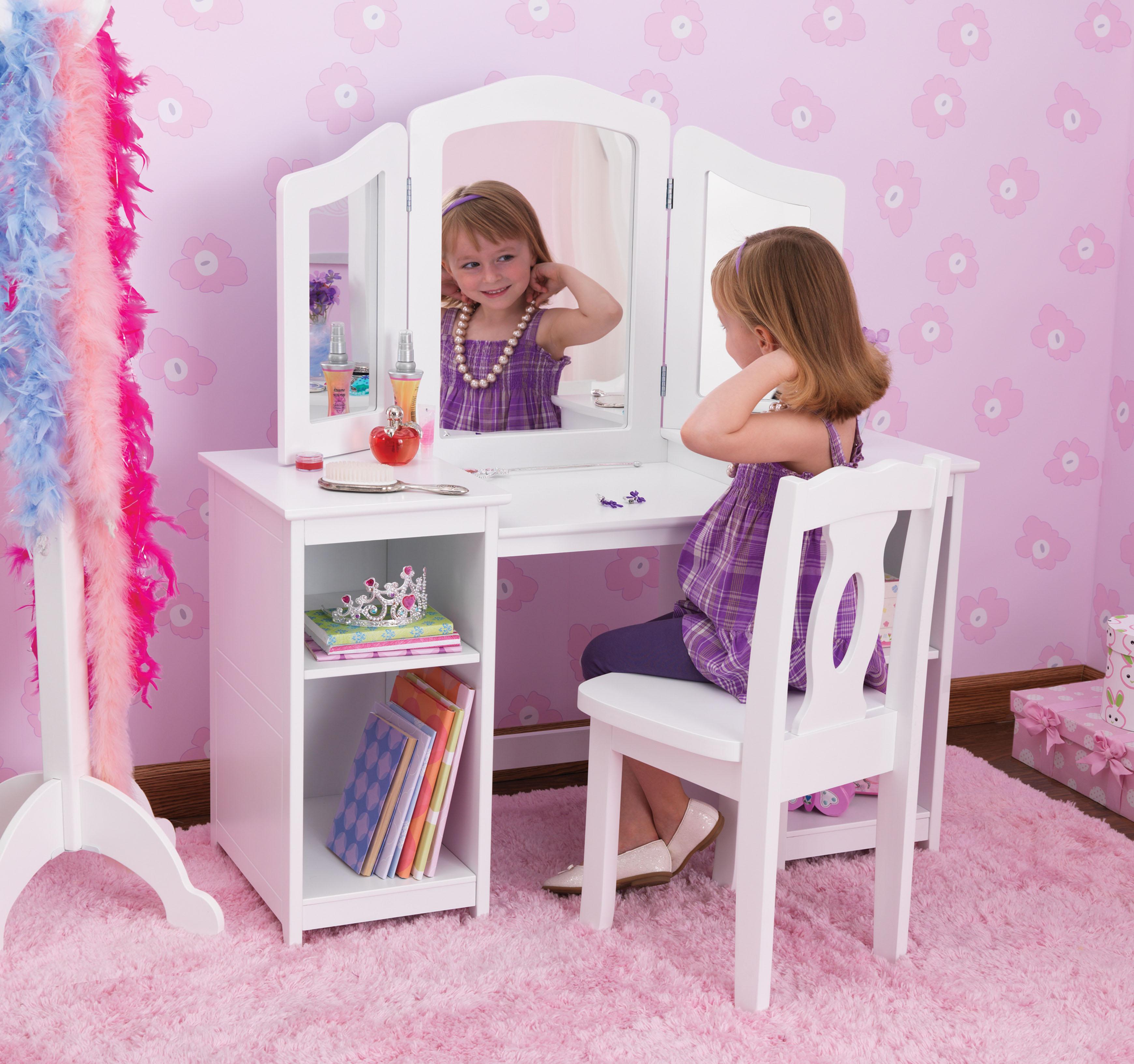 Как сделать туалетный столик для куклы своими руками