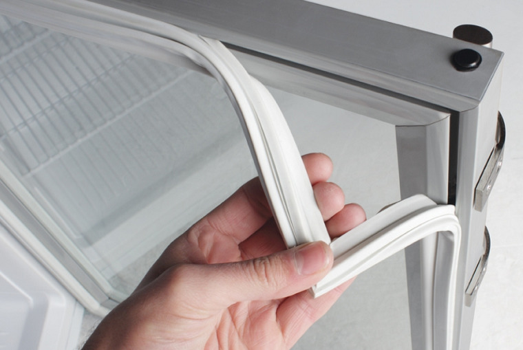 Ремонт уплотнительной резинки холодильника
