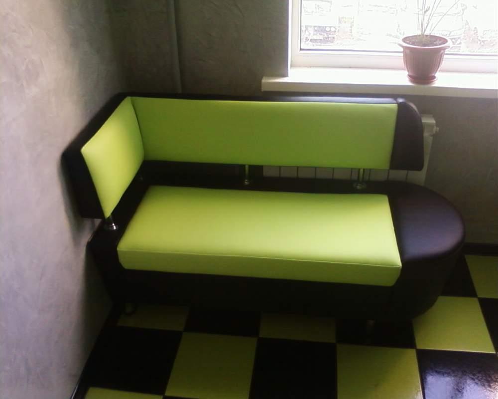 Мягкий диванчик на кухню