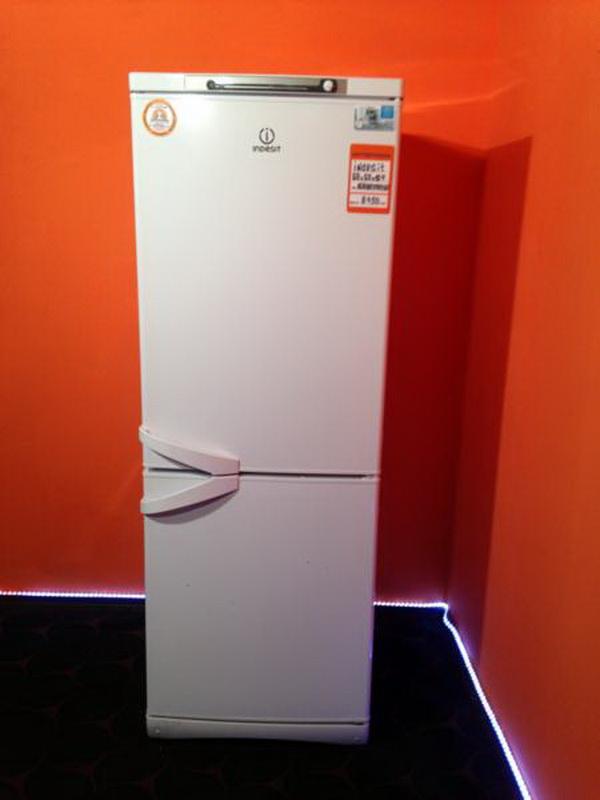 вес холодильника Indesit маленькие размеры мини модели под дерево и