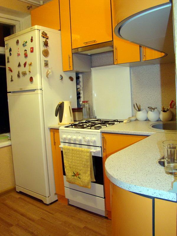 Дизайн кухни 5 кв.м в хрущевке с газовой