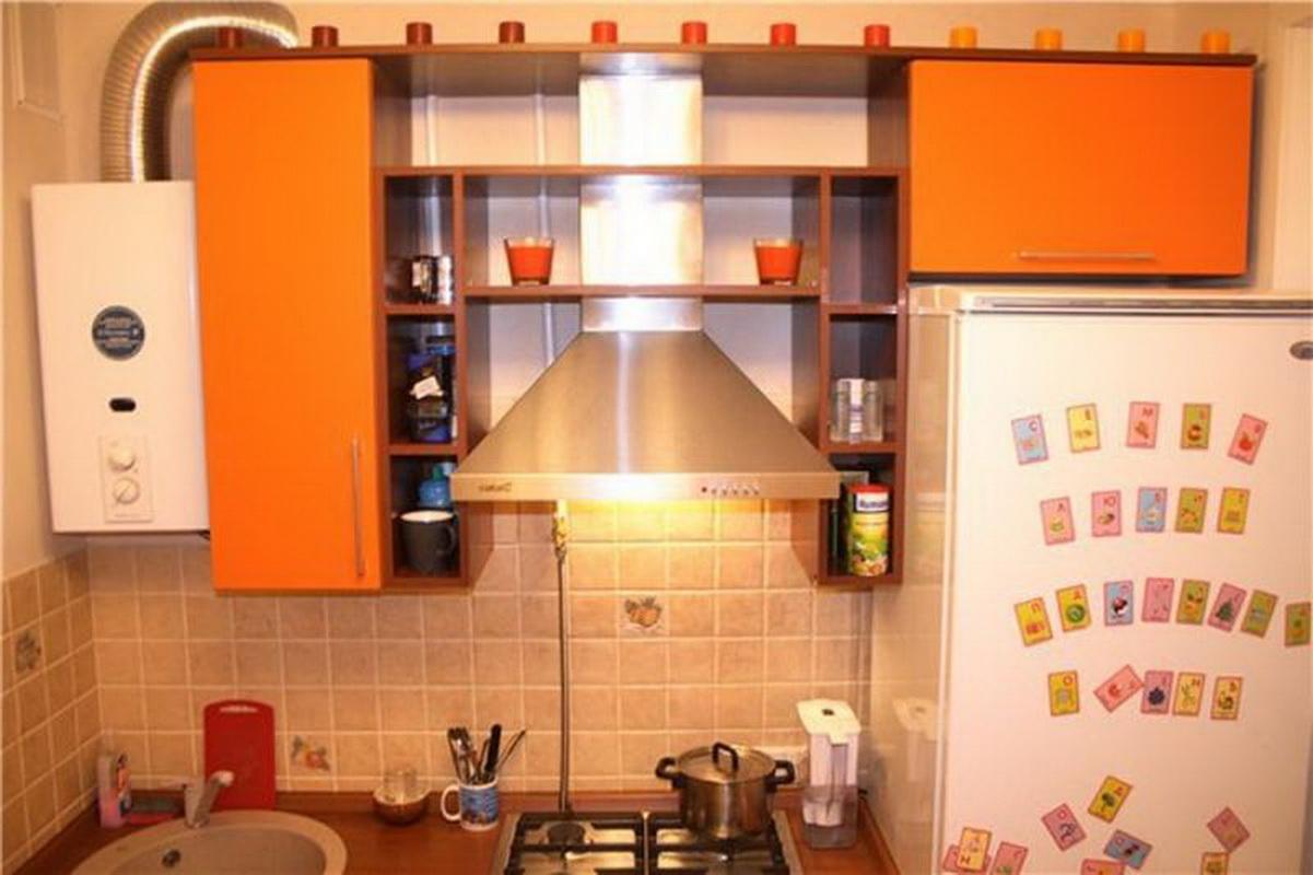 Кухня с колонкой 6 кв.м дизайн