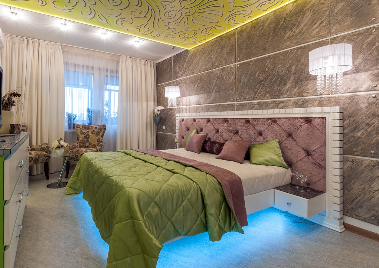 Mesmerizing Traditional Look With Red Walls Bedroom HD