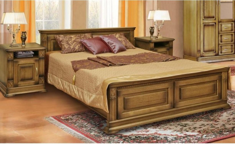Кровать из массива натуральной древесины